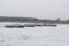 Eisbrecher auf der Elbe
